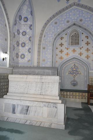 _DSC0404 2シャムスッディン・クラル廟(ティムールの父他の墓).JPG